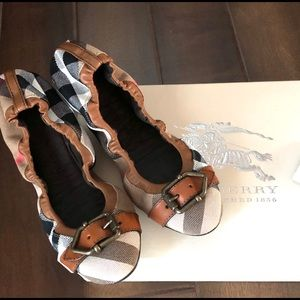 Burberry Flats in box
